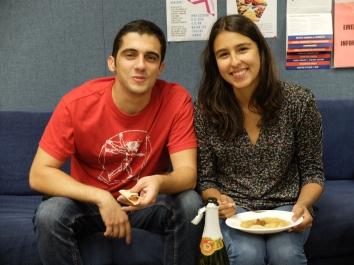 On renforce les liens d'amitié franco-hispaniques avec Joaquin et Tamara qui sont venus nous rendre visite. Se débrouillent tous les deux très bien en français.