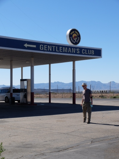 """""""Gentleman's club"""" : vraiment, vous ne voulez pas savoir ce que c'est. """"Creepy"""" comme on dit par chez nous."""