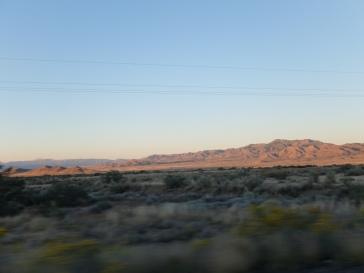 Retour dans le désert, à la tombée de la nuit...