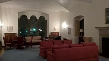 Un vendredi soir dans la salle commune de Scripps, d'après moi, le plus beau campus de Claremont.