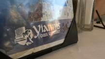 Yiannis, au bon lait de... Bref, j'arrête.