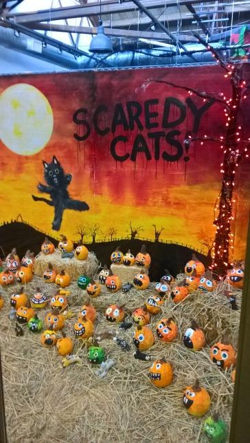 Halloween est une fête très importante ici : on a déjà de la décoration partout depuis deux semaines !
