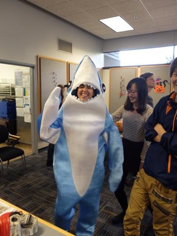 Et le requin mangea Tamara.
