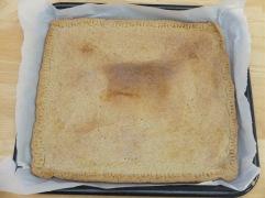 """Pendant la cuisson, notre pâte a fait un mont qu'on a appelé """"Potato Moutain"""" en référence à notre randonnée prévue dans le week-end"""