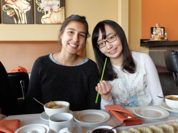 Tamara et Ting, avec sa baguette verte