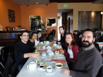 Dans un restaurant chinois, invités par Adan, responsable du FLRC (Foreign Language Ressource Center)
