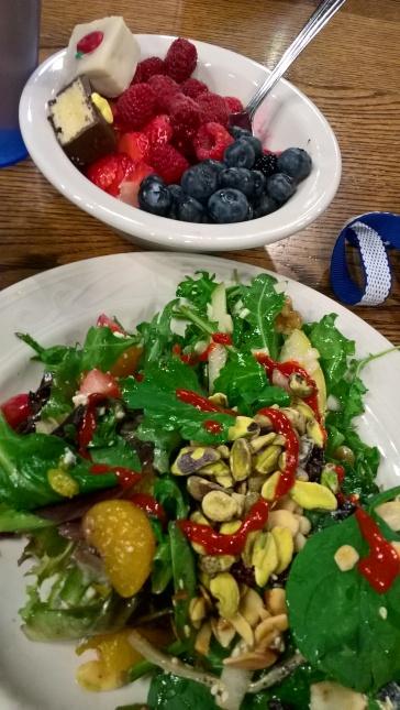 Le repas de Noël à Frank, un des dining halls : quatre sortes de salade ! C'est la fête en effet.