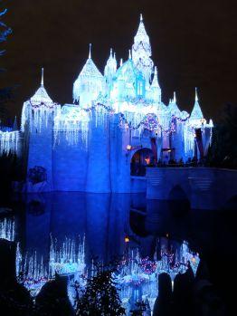 Le château la nuit : il est beaucoup moins impressionnant qu'il n'y paraît !