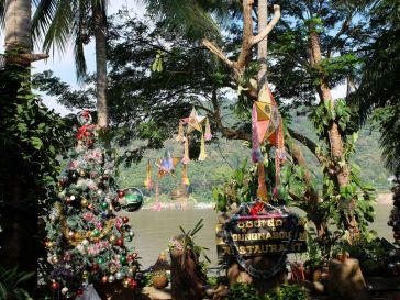 Les décorations de Noël au Laos : on n'y échappe pas !