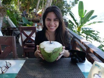 Petit péché laotien. Je peux dire que j'ai bu du jus de noix de coco avec Obama. Et vous avez vu la taille de la bête ?