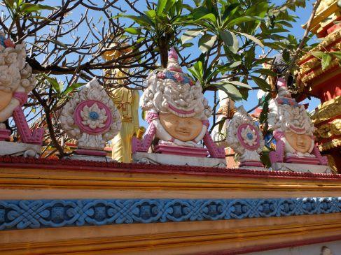 Aperçu du décor d'un wat (temple)