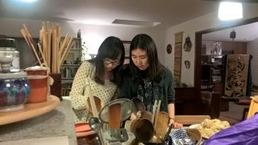Ting et Jangmi semblent affairées...