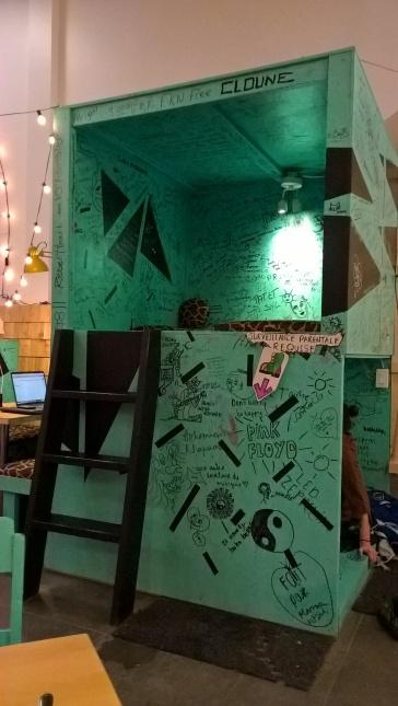 Petites niches pour se percher, laisser libre cours à sa créativité, se reposer, travailler...