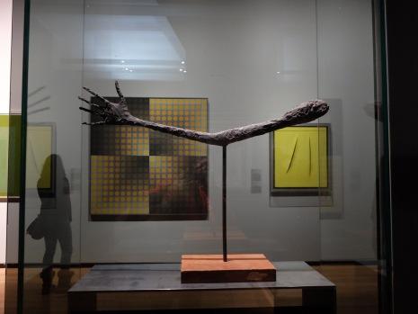 """Alberto Giacometti, """"La main"""", 1947 : Giacometti n'a pas son pareil pour exprimer le désespoir avec ses sculptures décharnées."""