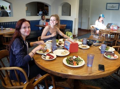 Farm to Frank Dinner : un repas organisé avec les aliments cultivés dans la ferme bio de Pomona. Le meilleur repas de l'année !