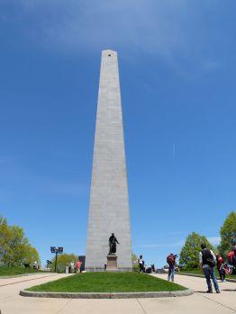 Un très haut obélisque (67 mètres), pour marquer le lieu de la principale bataille de la Révolution américaine. C'est vraiment impressionnant, surtout qu'il est possible d'y grimper pour aller admirer le paysage urbain.