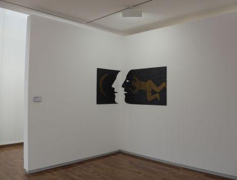 """Daniel Tremblay, """"Sans Titre"""", 1983. Faisons dans le local avec de l'ardoise ! Là encore, l'oeuvre est intéressante du fait qu'elle se déploie sur deux pans de murs."""