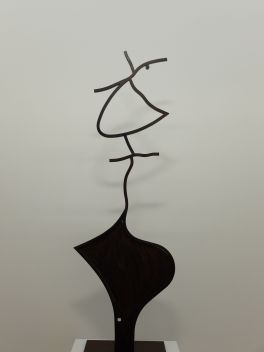 """Erik Dietman, """"La Bise"""", 1983. Voyez-vous le baiser ? Une fois qu'on a compris le truc, cette sculpture nous paraît vraiment inventive et amusante !"""