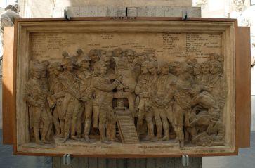Un des quatre bas-reliefs accompagnant la statue de Gutemberg : un clin d'oeil aux Américains.