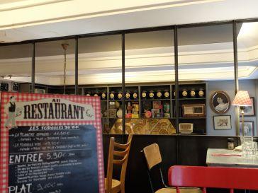 Au restaurant Le Select...