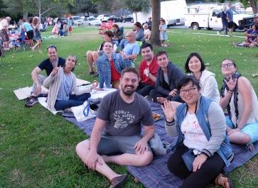 Profitant d'un concert dans le parc, avec de vieux copains.