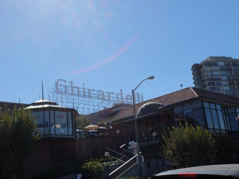 Mieux que le Hollywood Sign, le Ghirardelli Sign.