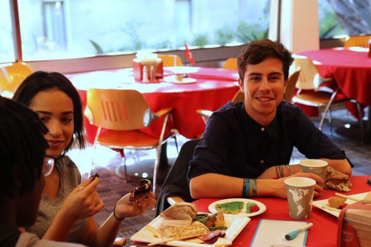 A la table espagnole (plus sérieuse)