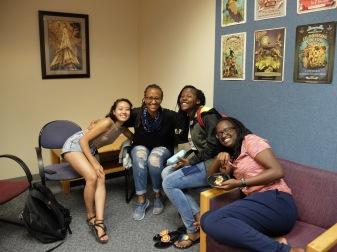 Pause photo avec Tiffany, Betty, une inconnue et Amandine