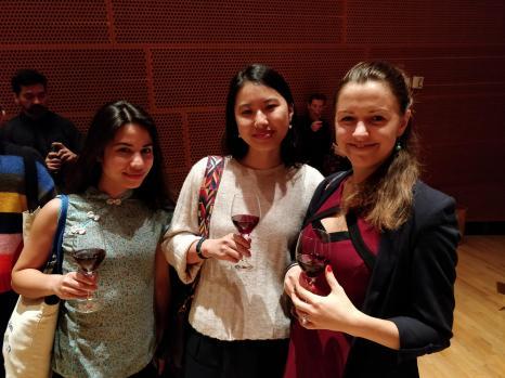 Avant le concert, une réception était organisée, proposant du très bon vin...