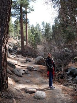 Une photo d'Ariane, qui à côté de celle de Kathryn, forme une jolie composition de lignes parallèles.