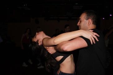 Avec Naveen et une démonstration de la souplesse de mon dos acquise ces derniers mois...