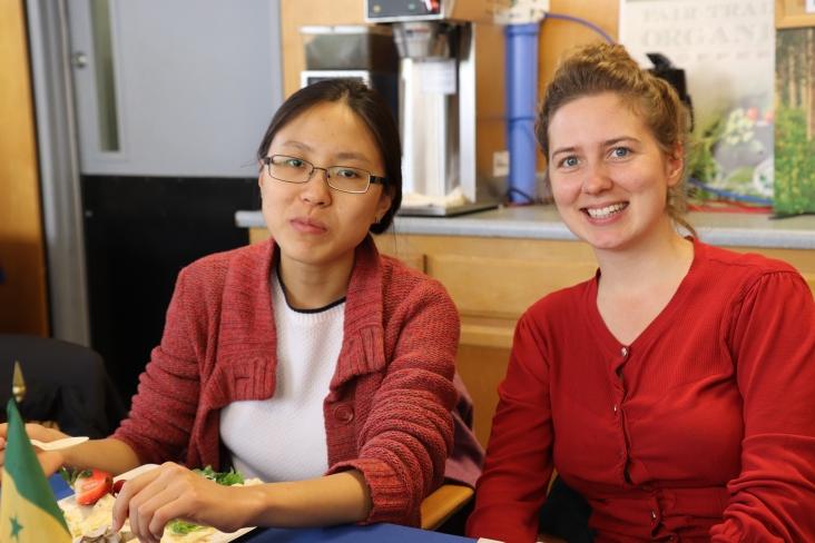 Claire et Marija, deux habituées de la table française.
