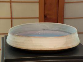 Hosai Matsubayashi, Vase plat : une véritable obsession, car il donne l'impression d'être rempli d'eau.