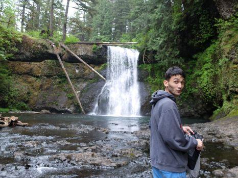 Pour l'anniversaire de Callie, je me rappelle que nous lui avons envoyé une photo de cette cascade. Bon point de repère pour se rappeler de la date de la randonnée.