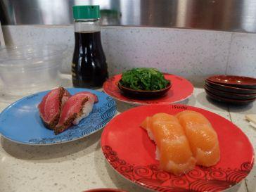 Assortiment de sushis à partager.