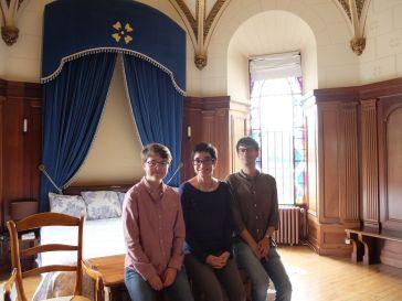 Dans la chambre grandiose aménagée dans une chapelle.