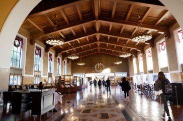 A l'intérieur de la gare (2)
