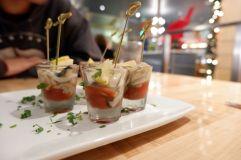 """Des """"shots d'huîtres"""", un concept que je ne connaissais pas, mais parfait pour l'apéritif !"""
