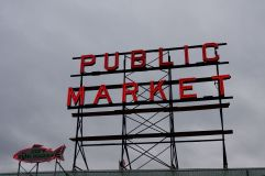 J'avais pris l'arrière de ce signe lumineux pour mon premier article sur Seattle !