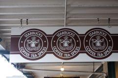 L'enseigne du premier Starbucks, qui aurait probablement été censurée aujourd'hui