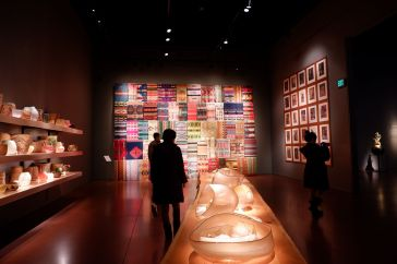 "La salle des ""Cylindres"", inspirés de motifs navajos"