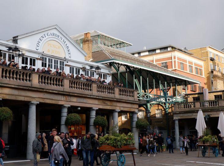 L'entrée du marché couvert de Covent Garden.