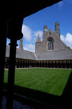 Le cloître de l'abbaye (2)