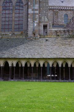 Le cloître de l'abbaye (1)