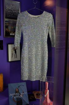 La robe qu'on voudrait essayer : devinez à qui elle appartient ?