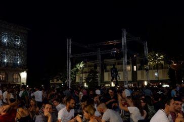 Ambiance disco sur la Place Bouffay (1)