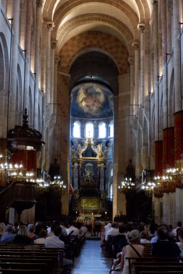 Un mariage à l'intérieur de la basilique. C'est étrange de voir cette cérémonie et tous les touristes (dont nous) tout autour.