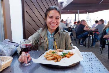 """Au restaurant """"Staramiescki pivavar"""", envie de tapas et d'un verre de vin pour faire durer la soirée estivale."""