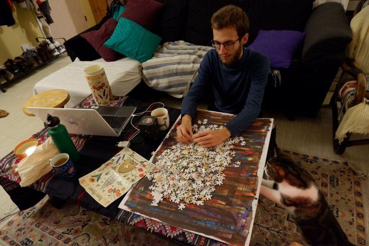 Stormy et Ryan font un puzzle