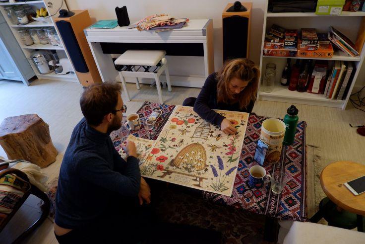 ryan et justine font un puzzle